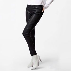 J Brand 620 Mid-Rise Super Skinny in Fearless